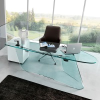 Стеклянные столы: фото